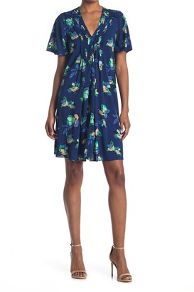 Donna Morgan Floral Pleated V-Neck Flutter Sleeve Shift Dress
