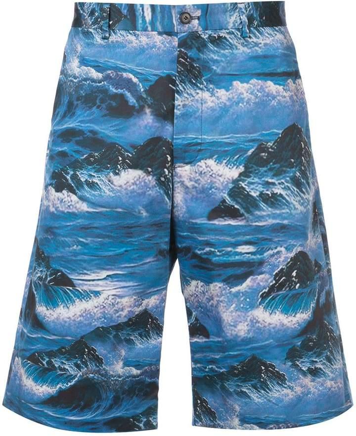 Givenchy waves print Bermuda shorts
