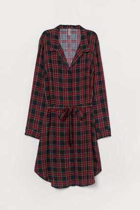 H&M Shirt dress with a tie belt