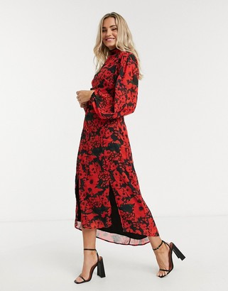 Hope & Ivy high-neck belted midaxi dress with open back in vibrant poppy print