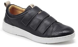 Sondra Roberts Mert Sneaker