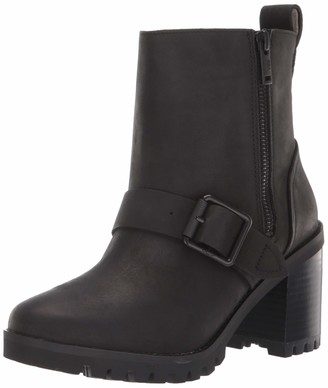 UGG Women's Fern Ankle Boot