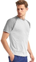 Gap Aeromesh crewneck t-shirt