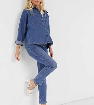 ASOS DESIGN Maternity high rise 'sassy' cigarette jeans in authentic midwash with elasticated side waistband