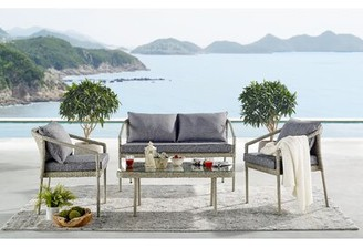 Highland Dunes Pancoast 4 Piece Rattan Complete Patio Set with Cushions