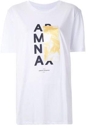 Armani Exchange CAMISETA BOY FIT COM ESTAMPA CONTRASTANTE