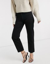 Asos Design DESIGN Mid rise 'off duty' straight leg jeans in washed black