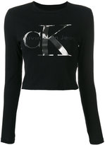 Calvin Klein Jeans cropped logo print T-shirt - women - Cotton - XS