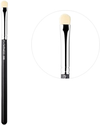 M·A·C 239 Synthetic Eye Shader Brush