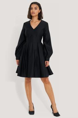 NA-KD Box Pleat Mini Dress