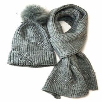 Meiz Winter Warm Ladies Pearl Velvet Faux Fur Pom Pom Hat and Scarf Set (Grey)
