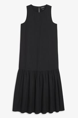 Monki Maxi flounce dress
