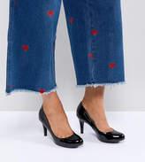 New Look Wide Fit Patent Kitten heel Round Toe Court Shoe