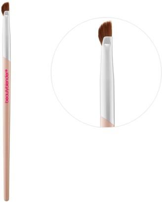 Beautyblender Wing Man Curved Eyeliner Brush