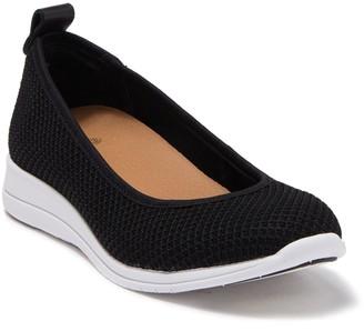 Susina Kallista Knit Slip-On Sneaker