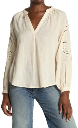 ALL IN FAVOR Embroidered Peasant Blouse