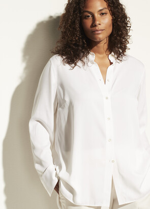 Vince Fitted Stretch-Silk Blouse