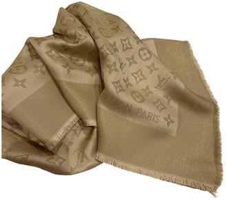 Louis Vuitton ChAle Monogram shine Gold Silk Scarves