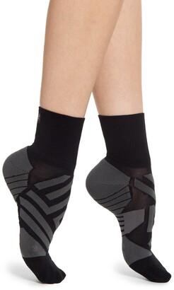 On Mid Ankle Running Socks