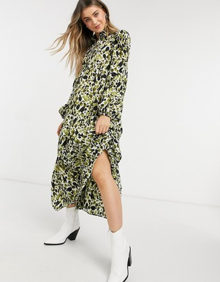 NEVER FULLY DRESSED tiered smock shirt midi dress in green smudge print