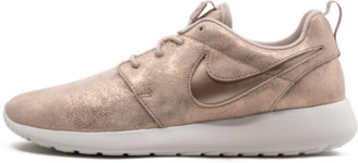 Nike WMNS Roshe One PRM Shoes - 6W