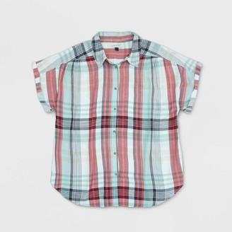 Universal Thread Women's Plus Size Plaid Short Sleeve Button-Down Shirt - Universal ThreadTM