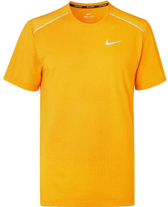 Nike Running Breathe Rise 365 Dri-Fit T-Shirt
