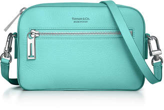 Tiffany & Co. & Co. Crossbody bag in Blue grain calfskin leather