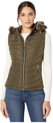 YMI Jeanswear Snobbish Polyfill Puffer Vest with Faux Fur Trim Hood (Olive) Women's Clothing