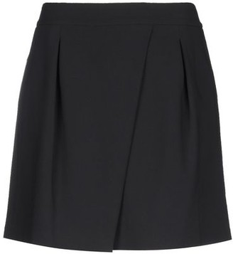 Halston Knee length skirt