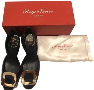 Roger Vivier Chips Navy Patent leather Heels