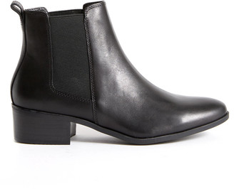 Steve Madden Dover Black Leather Bootie Black 6