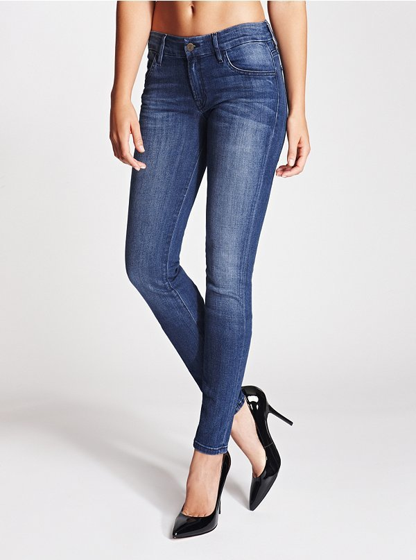 GUESS Sophia Mid-Rise Curvy Skinny Jeans in Lyon Wash