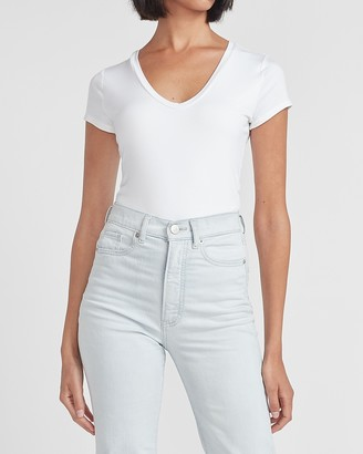 Express Fitted Rounded V-Neck Tee