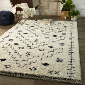 """Union Rustic Entwistle Shaggy Blue/Off White Rug Rug Size: Rectangle 7'10"""" x 10'"""