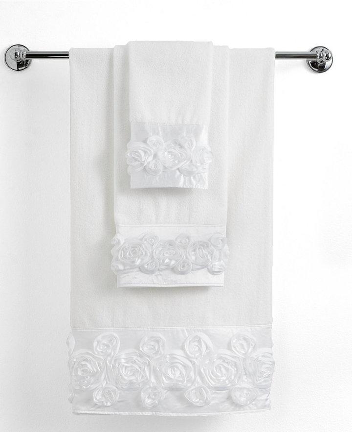 """Avanti Bath Towels, Rosie 27"""" x 50"""" Bath Towel"""