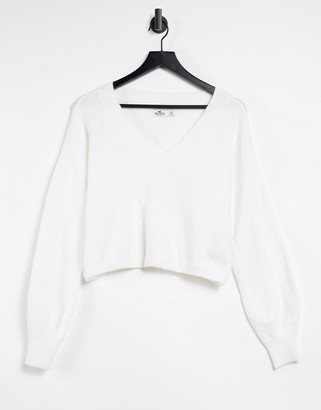 Hollister boxy v neck knitted sweat in white