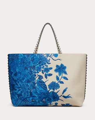 Valentino Rockstud Grainy Calfskin Shopper With Embroidery Women Light Ivory/blue 100% Pelle Di Vitello - Bos Taurus OneSize