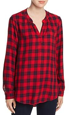 BeachLunchLounge Bee Plaid Pullover Top