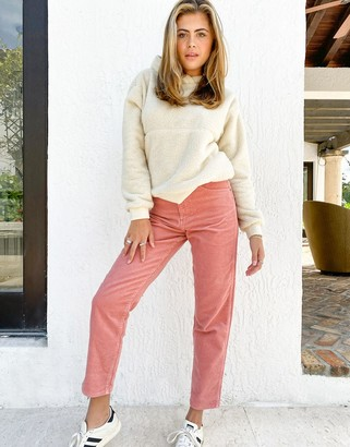 Wrangler Mom Jeans in Pink