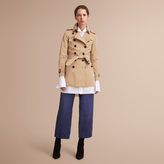 Burberry The Chelsea - Short Heritage Trench Coat , Size: 08, Yellow