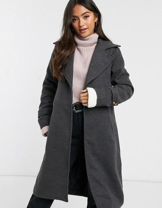 Parisian single button coat with wide lapels
