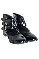 Select Fashion Fashion Womens Black Triple Strap Flat Shoe - size 3