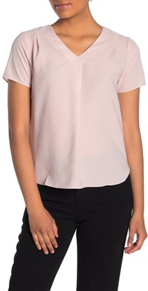 PREMISE STUDIO V-Neck Short Sleeve Blouse (Petite)