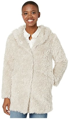 True Grit Dylan by Fluffy Sherpa Hood Coat with Snap Closures and Side Pockets (Off-White) Women's Clothing