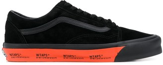 Vans Lace Up Trainers With Logo Sole