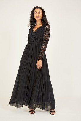 Yumi Black Lace Pleated Maxi Dress