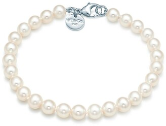 Tiffany & Co. Ziegfeld Collection bracelet of freshwater cultured pearls with a silver clasp