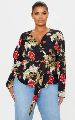 PrettyLittleThing Plus Black Floral Wrap Top