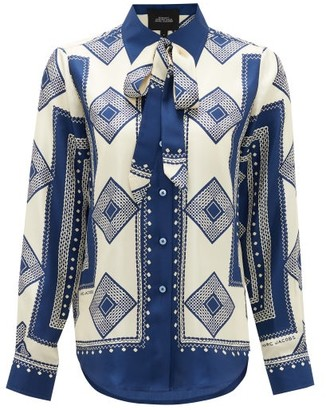 Marc Jacobs Runway - Pussy-bow Cubic-print Silk Blouse - Womens - Navy